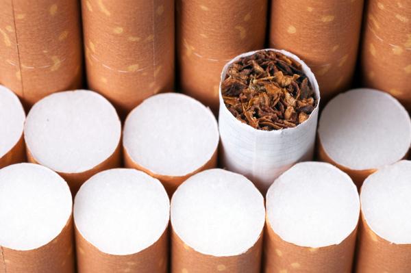 Tabakwerbung auf Firmenwebseite